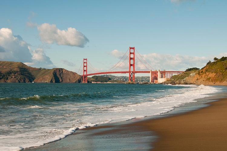 Baker Beach, Golden Gate Bridge, San Francisco, California, USA.